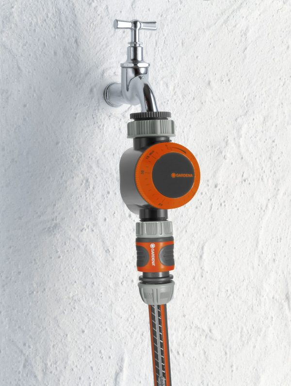 GD-0162 (1169-20 Gardena Water Timer) Lifestyle Picture