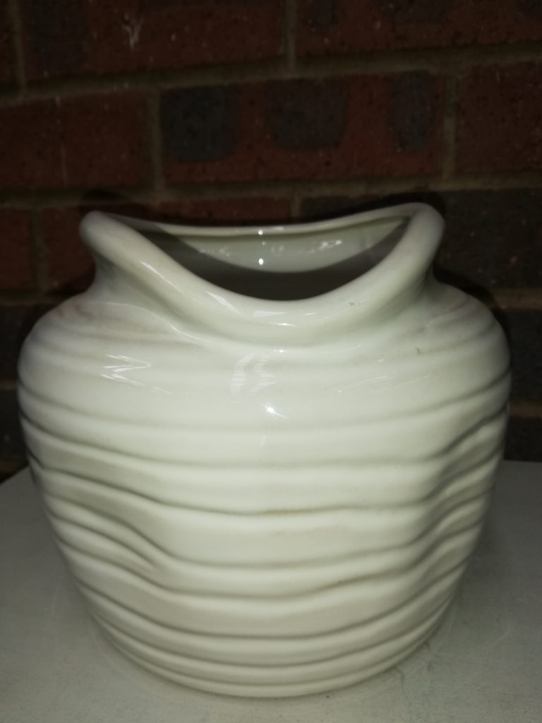 Silk ceramic pot