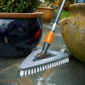 Gardena -Scrubbing Brush with elbow joint