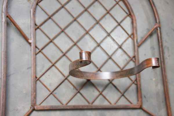 70036518 - Iron Furniture - AC2.2 Diamond Pot Holder 2