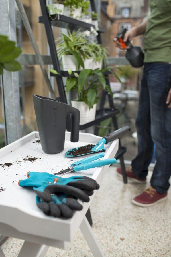 8966-32 (Gardena City Gardening Balcony Basics) LS PIC (5)