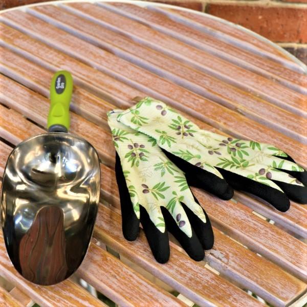 70063804 - Garden Scoop With garden Gloves