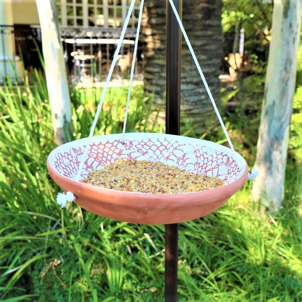 70063878 -Hanging Ceramic Bird bath With 2kg of wild bird Seeds(4)