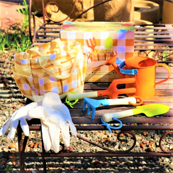 70060811 -Children's Gardening Set