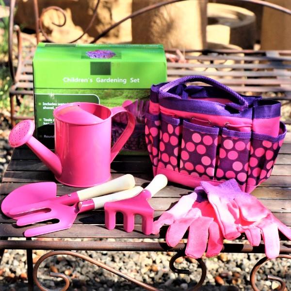 70061577 - Gardening Set