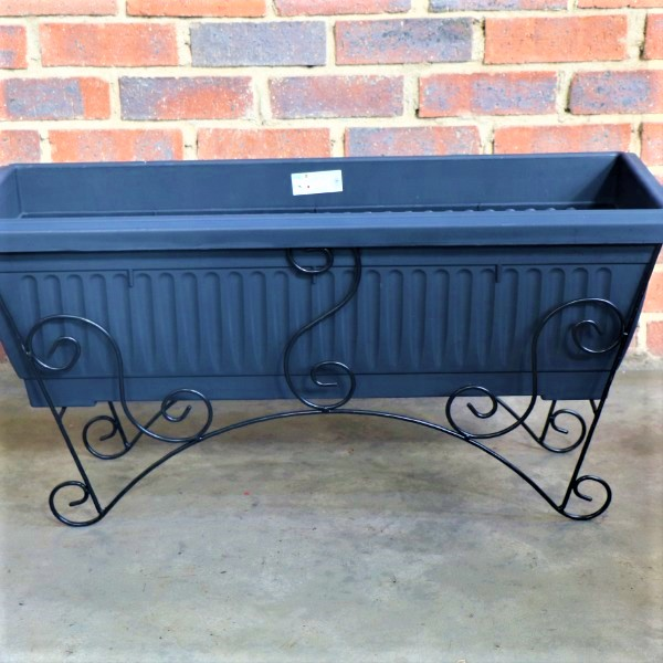 70064377 - Medium Planter Box Ridged with Metal Stand (2)